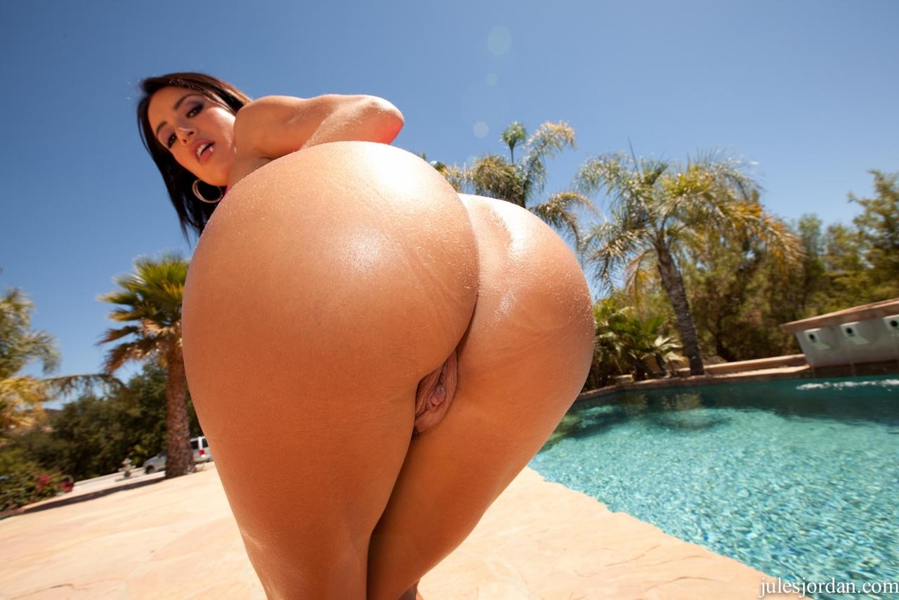 Huge Ass Pornstar Pics
