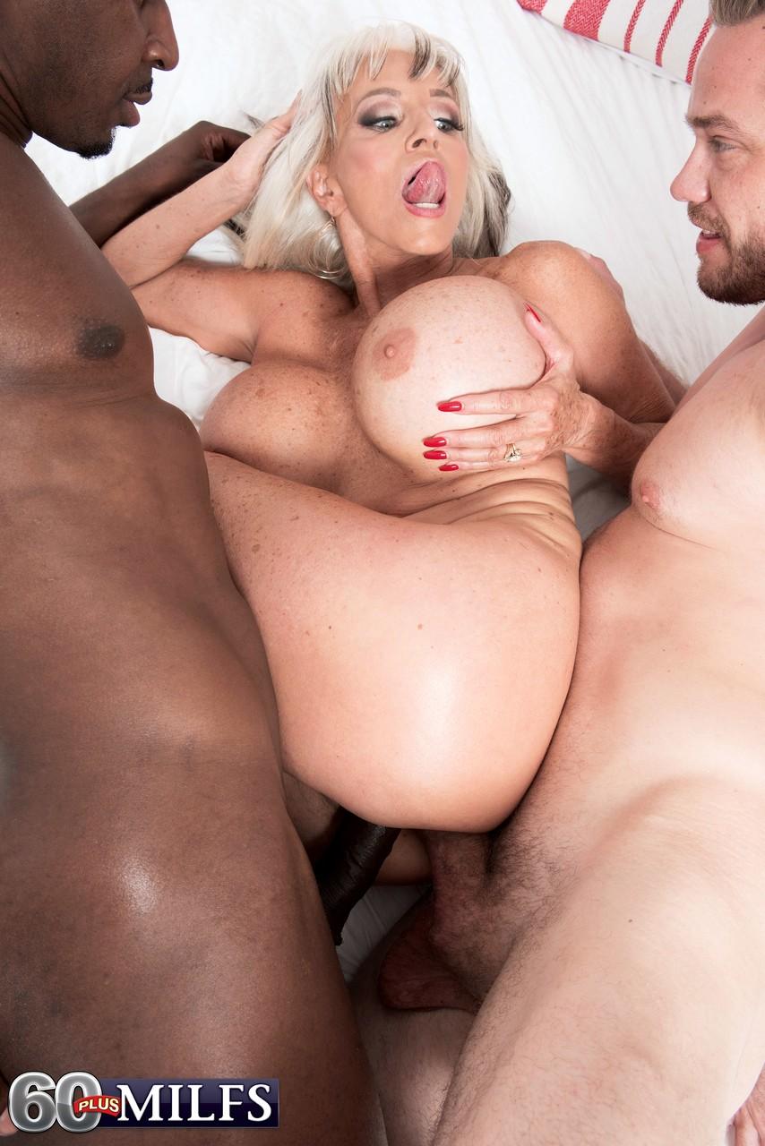 Sally Kellerman Tits